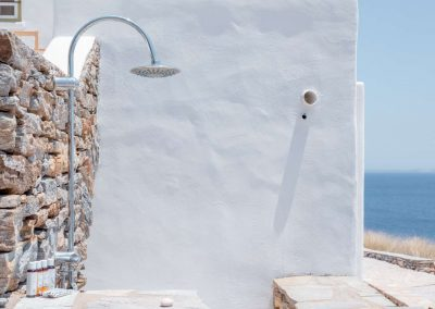 PANASEA_VILLA_NAXOS_Outside shower_1 (Large)